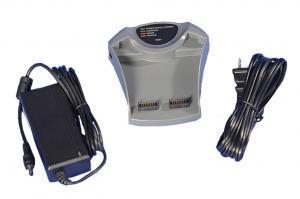 : Produktbild des externen Ladegerätes und AC-Netzteil für den transportablen Sauerstoffkonzentrator eQuinox.