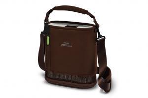 Detailansicht des SimplyGo mini in einer braunenTragetasche . - SimplyGo mini