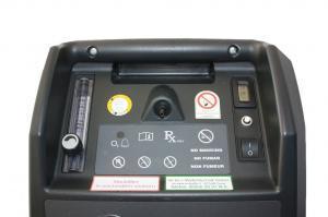 Detailbild des Bedienfeldes mit FlowMeter, Sauerstoffauslass und An/Ausschalter des VisionAire 3